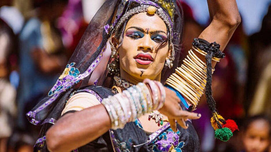 Une Hijra